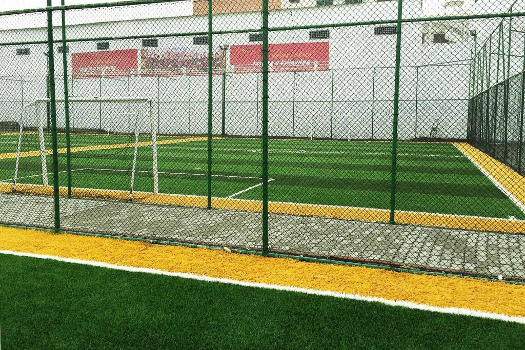 fas barcelona futbol okulu acik futbol sahasi 4